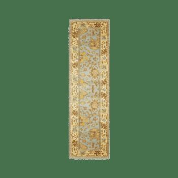 akie - a traditional indoor bedroom rug runner