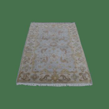 krasna - a traditional indoor bedroom rug