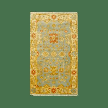 zi - a graceful traditional bedroom rug